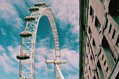 (Virginia Gz) Tags: londoneye thequeenswalk westminster london england unitedkingdom uk greatbritain europe architecture ferriswheel