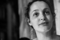 Le Regard (TristanLohengrin) Tags: portrait flou noir et blanc fille girl woman photography nikon d5300 french eyes regard black white