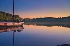 Insel Rott bei Linkenheim-Hochstetten, Landkreis Karlsruhe (MHikeBike) Tags: see landschaft abend sonnenuntergang sunset farbig himmel wasser boote büsche wald rheinebene rhein lake landscape eve coloured sky water boats shrubbery