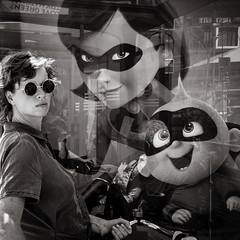 lovely trio (Gerard Koopen) Tags: nederland netherlands amsterdam capital city portraits eyecontact sunglasses surprise trio woman artistic reflections havingfun straat street straatfotografie streetphotography streetlife blackandwhiteonly fujifilm fuji xpro1 35mm 2018 gerardkoopen gerardkoopenphotography