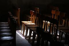 Chaises (martine_ferron) Tags: chaise église ombre fraîcheur