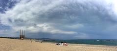 """Playa con nubes de las Tres Chimeneas"" (atempviatja) Tags: barcelona treschimeneas chimeneas tormenta cielo mar nubes playa"