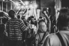 Hands up in the air? (mripp) Tags: art vintage retro old concert festival melt gräfenhainichen night black white mono monochrome crowd music sony alpha 7rii voigtländer nokton 40mm f12