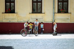 New bike (Ігор Кириловський) Tags: bike c41 35mm 135 kyrylovskyy kirilovskiyigor chernivtsi ukraine slr minoltadynax404si minolta afzoom2880mmf3556 film kodakproimage100 уф1x markstudiolab