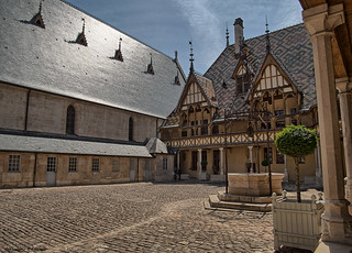 Hospices de Beaune - Courtyard/Ehrenhof