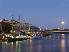 Alexander von Humboldt & Fullmoon (zenti66) Tags: bremen germany fullmoon bridge weser humboldt