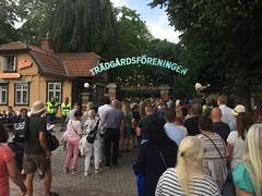 Attenders to the Van Morrison concert in Göteborg at the entrance (hherskind) Tags: fans public entrance 2018 summer vanmorrison concert park göteborg sweden