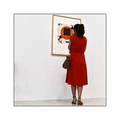 La Femme en rouge  - N°3 - (Jean-Louis DUMAS) Tags: femme belle jeune woman pretty young musée muséum art artiste artist artistique artistic bellefemme jeunefemme