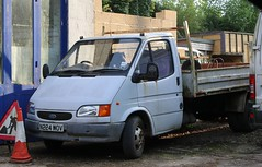 N224 WOV (Nivek.Old.Gold) Tags: 1996 ford transit 190 lwb dropside 2496cc diesel