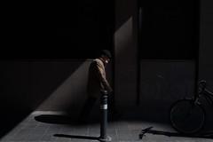 _MG_0835 (Dima7447) Tags: bici bicicletta bike shadow ombra man uomo oldman uomoanziano vecchio walkingman uomochecammina cappello hat urban urbanphoto urbanphotography street streetphoto streetphotography