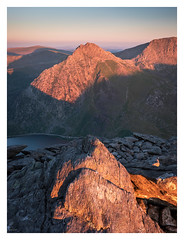 Red Light (Ollie Pocock) Tags: snowdonia mountainscape mountains mountain tryfan rocks sunset sunlight red bluesky national park wales northwales