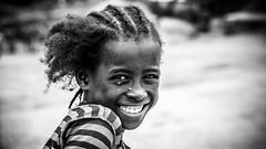 Ethiopia, niña Konso (día 6) (pepoexpress - A few million thanks!) Tags: nikon nikkor d750 nikond75024120f4 nikond750 24120mmafs pepoexpress people portrait retrato bw ethiopia africa konso