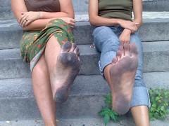 13091888_1046802392073957_3308462828329312822_n (paulswentkowski1983) Tags: dirty feet soles street female city pitch black