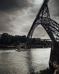 Maria Pia Bridge (tiagomrcoelho) Tags: porto visitporto streetphotography streetphoto shootstreet portugal pointofview ponte blackwhite bridge canon canon6d city river railroad riverside
