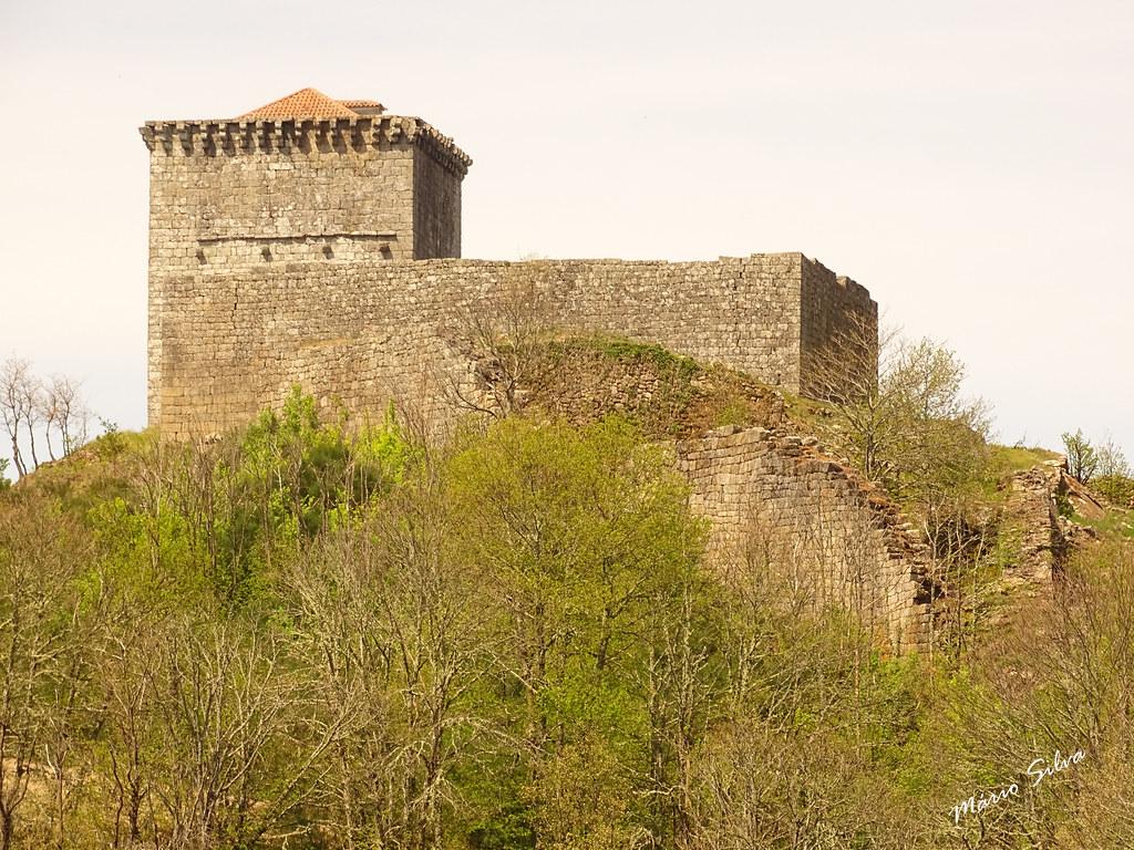Águas Frias (Chaves) - ... castelo Monforte de Rio Livre (monumento nacional) ...