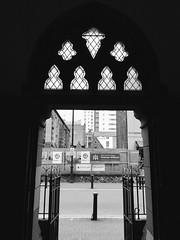Eglwys Gadeiriol Fetropolitan Dewi Sant, Caerdydd (Rhisiart Hincks) Tags: silhouette silwét cysgodlun ledskeud sgàilriochd sgàildhealbh scáthchruth zilueta caerdydd cardiff kêrdiz cymru kembre wales eglwysgadeiriol ilizveur cathedral cathaireaglais àrdeaglais katedrala ardeaglais blackandwhite bw zuribeltz blancetnoir blackwhite monochrome unlliw blancoynegro zwartwit sortoghvid μαύροκαιάσπρο feketeésfehér juodairbalta melnsunbalts černýabílý czarnyibiały mnyamanokumhlophe pangometema iliz eliza eaglais church eglos glèisa església église biserică chiesa iglesia kirche церковь 教堂 kirik 教会 ažnyčia blancinegre duagwyn gwennhadu dubhagusgeal dubhagusbán
