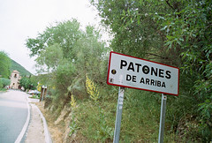 Patones de Arriba (Diego Leon y Bethencourt) Tags: kodak colorplus 200 canon eos 300 ef 28 90 patones torrelaguna chinchon madrid atazar mercados analogico film