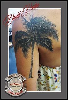 9 Palmier Tattoo