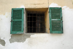 [abandoned] (pienw) Tags: abandoned piemonte window shutter