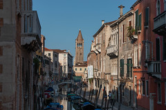 2018-276.jpg (Jeff Summers) Tags: venice brick canal boat building bridge italy alley