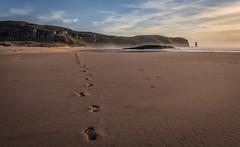 Robinson Crusoe (cliveg004) Tags: sandwoodbay sutherland westcoast scotland beach sand johnmuirtrust footprints cliffs seastack ambuachaille waves sea rocks sky clouds sunset robinsoncrusoe nikon d5200 challengegamewinner