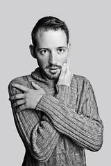 (Alain ♥) Tags: homme masculin guy man mann hombre mode nb bw pull laine barbe visage portrait portraiture