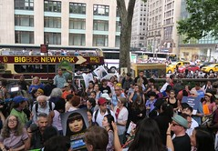 world refugee day 2018, 6/20/18 (hollow sidewalks) Tags: currentevents politics nyc newyorkcity rally manhattan bryantpark hollowsidewalks worldrefugeeday worldrefugeeday2018