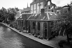 Oudegracht Utrecht (Tom van der Heijden) Tags: utrecht oudegracht gracht bootje huizen pakhuizen pakhuis water kade canon eos 60d eos60d canoneos60d