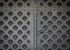 Heavy Door (dlerps) Tags: daniellerps lerps sigma sony sonyalpha sonyalpha77 sonyalphaa77 lerpsphotography architecture lowersaxony de deutschland germany europe europa northerngermany norddeutschland harz goslar imperialpalace kaiserpfalz palace door gate pattern black historic ancient medival doorknob