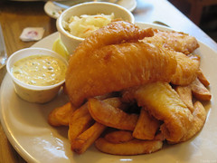 Beer Battered Fish & Chips (Coyoty) Tags: playwrightirishpub hamden connecticut ct irishpub irish pub restaurant food fish chips fries coleslaw tartar sauce tartarsauce white brown beige crust bokeh beer battered filet sole deepfried fried steakfries