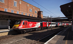 43318 York 24/06/2018 (Flash_3939) Tags: 43318 43299 hst highspeedtrain diesel reverseformation class43 virgin virgintrains lner londonnortheasternrailway 40years journeyshrinker anniverary 40th livery red 1s22 york yrk station rail railway train uk june 2018