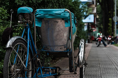 Cyclo(Xích lô) in Saigon (S. Ken) Tags: vietnam hochiminhcity hcmc saigon ベトナム サイゴン fe70200mmf28gmoss sel70200gm a7riii a7r3 7rm3 sony e general ソニー gmaster xichlo 3 wheels bicycle
