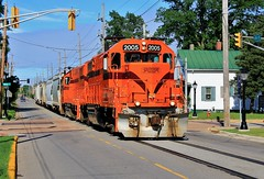 Freight in the Street (BravoDelta1999) Tags: chicagosouthshoreandsouthbend csssb railroad southshore css railway emd gp382 2005 manifest train michigancity indiana street running 11thstreet 2003