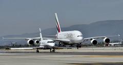 Falcon 2000+A380-861 (Andreu Anguera) Tags: avión airbus a380 cuatrimotor emirates openday aeropuerto barcelonaelprat andreuanguera
