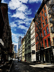 Summer in SoHo (Alexander H.M. Cascone [insta @cascones]) Tags: usa nyc new york city manhattan soho downtown street block cobblestone sky colors colorful greene st grand summer hot builldings building