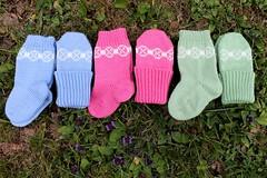 img_3650m (villanne123) Tags: 2018 socks sukat villanne villasukat babywear tulentallojansetti tulentallojatsukat tulentallojatsocks sandneslanett knitting neulottu neulotut nilkkasukat lapsille lapaset lastensukat myyntiin mittens myydään myydäänvillasukkia