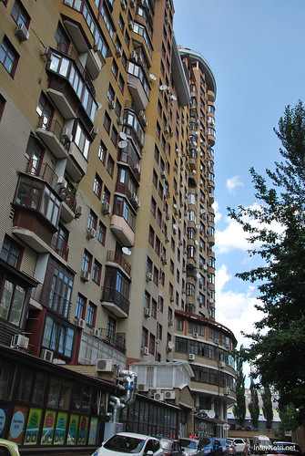 Київ, вулиця Євгена Коновальця  InterNetri Ukraine 377