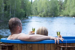 Kylpypalju - Bathing tub (iisalmiregion) Tags: palju kylpypalju luonto koski joki nature finland vesi kesä summer bathingtub relaxing wellbeing hyvinvointi ruukintupa jyrkkä sonkajärvi volokinpolku wellness kuohuviini sparkinligwine
