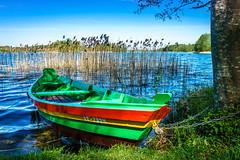 Trakai Island Lake (K.H.Reichert [ not explored ]) Tags: litauen boot see komplimentär boat lake lithuania greenredcontrast farben trakai vilniausapskritis lt