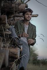 Woodboy (moritzsee) Tags: natur nature boy guy man mann junge holz model shooting wood rural ländlich landleben