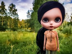 """Havent had time for my dolls lately, but today I had some spare time to make this shirt 😊💛 #blythe #customblythe #doll #customdoll #crochet #crochetdollclothes #crochetblytheclothes #dollclothes #blytheclothes #dolliina • <a style=""""font-size:0.8em;"""" href=""""http://www.flickr.com/photos/142495299@N04/43505717752/"""" target=""""_blank"""">View on Flickr</a>"""