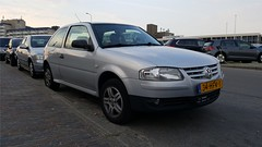 Volkswagen Gol 1.6 (sjoerd.wijsman) Tags: zuidholland holanda olanda holland niederlande nederland thenetherlands netherlands paysbas carspot carspotting cars car voiture fahrzeug auto autos hatchback hatch grey gray grau gris grijs zilver zilvergrijs silver silber volkswagen gol volkswagengol vw vwgol 34hfv1 sidecode7 import denhaag kijkduin 23052018