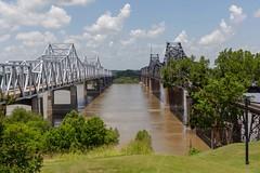 New and Old Mississippi River Bridges (Nonnaof4) Tags: 2018 mississippi bridges structures trainsbridges mississippiriverbridge 2018onephotoeachday