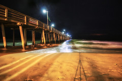 Virginia Beach Fishing Pier (Virginia) (Andrea Moscato) Tags: andreamoscato america statiuniti usa unitedstates us view vivid vista notte notturno shadow ombre light luci dark darkness night black yellow ombra orange ocean oceano atlantic mare sea seascape seashore beach spiaggia sabbia sand pier pontile onde water acqua waves silhouette