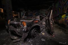 ¡¡Un coche piojoso!! (Darkflip) Tags: largaexposición longexposure luisjdelafuente lucesdelpasado noche nocturna nigth noctambulos nikon españa abandonado ruinas lightpainting
