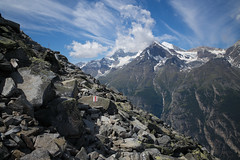 high route Grächen-Zermatt (VS) (Toni_V) Tags: m2408329 rangefinder digitalrangefinder messsucher leicam leica mp typ240 type240 28mm elmaritm12828asph hiking wanderung randonnée escursione alps alpen grächenzermatt europaweg weisshorn bishorn mountains landscape landschaft trail wanderweg sentiero highroute höhenweg wallis mattertal valais oberwallis switzerland schweiz suisse svizzera svizra europe ©toniv 2018 180714