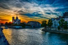 Notre-dame de Paris 2018.jpg (stephprad) Tags: france nikon eau sigma fleuve 35mm notredamedeparis seine sun paris french cloud nuage soleil d800 hdr riviere