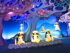 Disneyland Paris June 2018 (Elysia in Wonderland) Tags: disneyland paris disney france holiday birthday elysia meryn lucy pete 2018 june vacation irs small world ride animatronics dolls around country countries