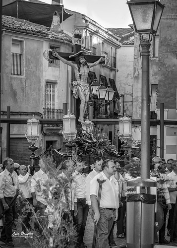 "(2018-06-22) - Vía Crucis bajada - Luis Poveda Galiano (12) • <a style=""font-size:0.8em;"" href=""http://www.flickr.com/photos/139250327@N06/29283306448/"" target=""_blank"">View on Flickr</a>"