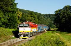 Dvanáctka na patrech (Nikis182) Tags: 754012 české dráhy čd čkd diesel locomotive brejlovec train czech republic